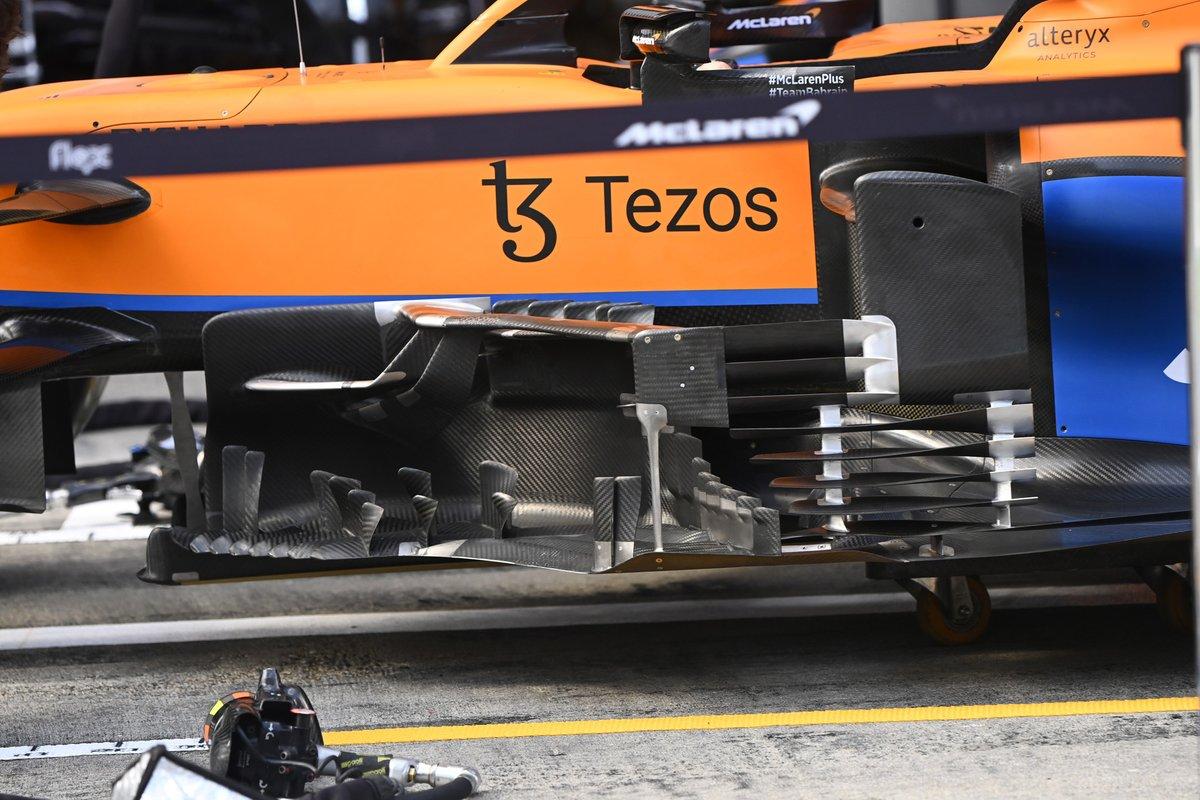 Detalle del bargeboard del McLaren MCL35M