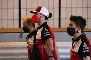 Antonio Giovinazzi, Alfa Romeo Racing, walks the track with team mates