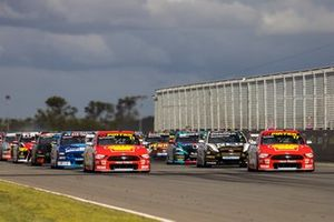 Anton de Pasquale, Dick Johnson Racing Ford, Will Davison, Dick Johnson Racing Ford