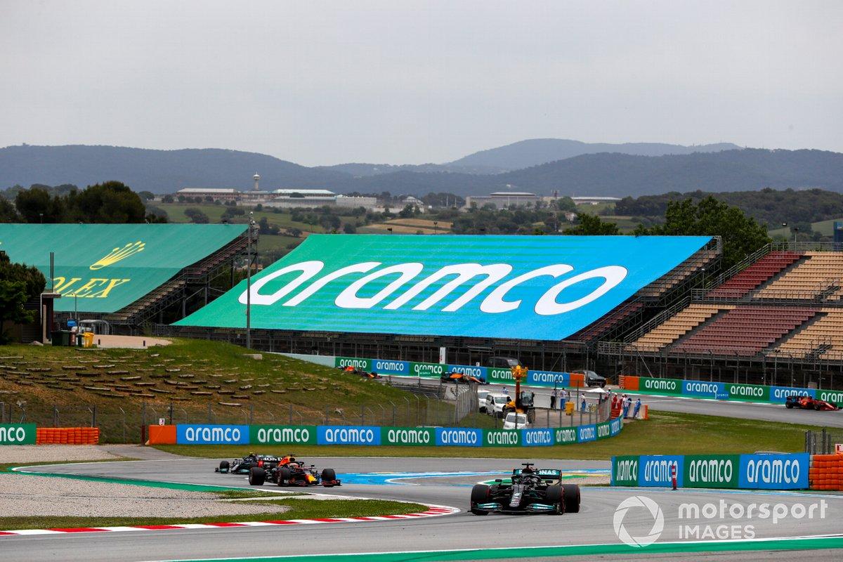 Lewis Hamilton, Mercedes W12, Max Verstappen, Red Bull Racing RB16B, Valtteri Bottas, Mercedes W12