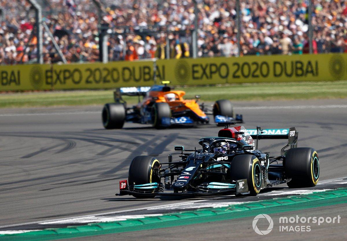 Lewis Hamilton, Mercedes W12, Lando Norris, McLaren MCL35M