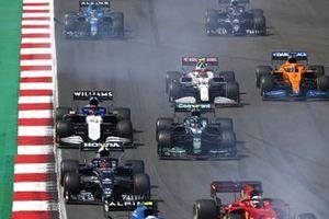 Pierre Gasly, AlphaTauri AT02, Sebastian Vettel, Aston Martin AMR21, George Russell, Williams FW43B, Antonio Giovinazzi, Alfa Romeo Racing C41, Daniel Ricciardo, McLaren MCL35M, and Fernando Alonso, Alpine A521