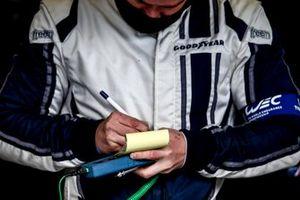 Reifentechniker von Goodyear