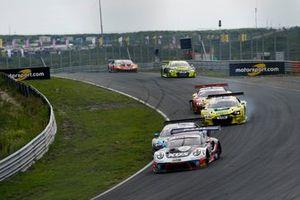 #75 Ku?s Team Bernhard Porsche 911 GT3 R: Christian Engelhart, Thomas Preining