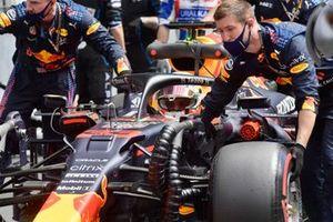 Max Verstappen, Red Bull Racing RB16B , arrives on the grid