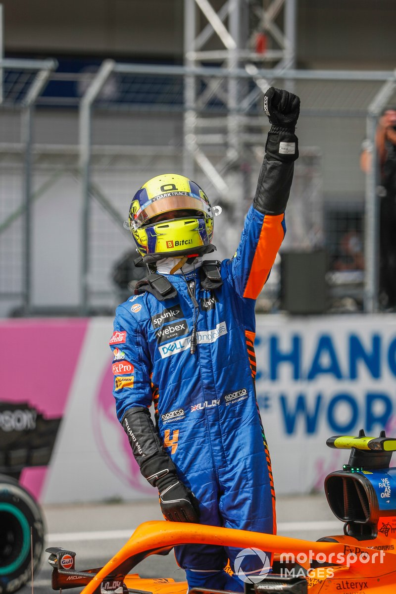 Tercer lugar Lando Norris, McLaren, celebra en Parc Ferme