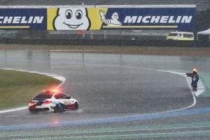 Safety car sotto la pioggia