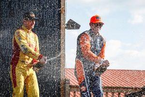 Felix Rosenqvist, Chip Ganassi Racing Honda, Scott Dixon, Chip Ganassi Racing Honda, Ryan Hunter-Reay, Andretti Autosport Honda, podium, champagne