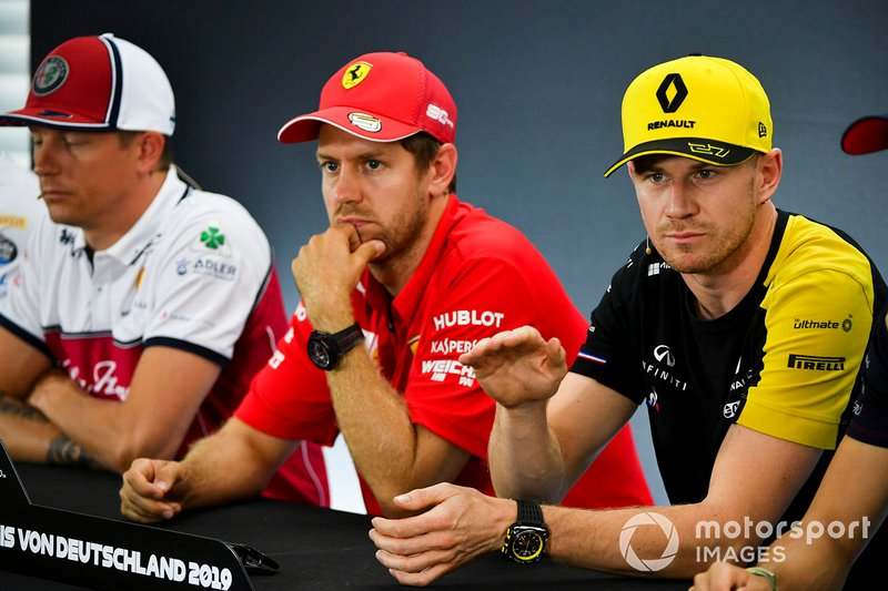 Nico Hulkenberg, Renault F1 Team, Sebastian Vettel, Ferrari et Kimi Raikkonen, Alfa Romeo Racing lors de la conférence de presse