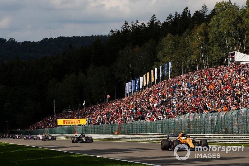 Lando Norris, McLaren MCL34, devant Kevin Magnussen, Haas F1 Team VF-19 et Romain Grosjean, Haas F1 Team VF-19