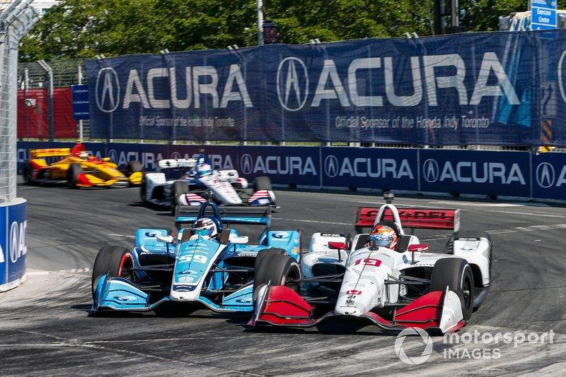Max Chilton, Carlin Chevrolet, Santino Ferrucci, Dale Coyne Racing Honda, bump