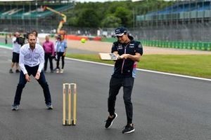 Sergio Perez, Racing Point plays cricket