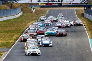 Partenza di gara 2 del TCR Europe: Oschersleben