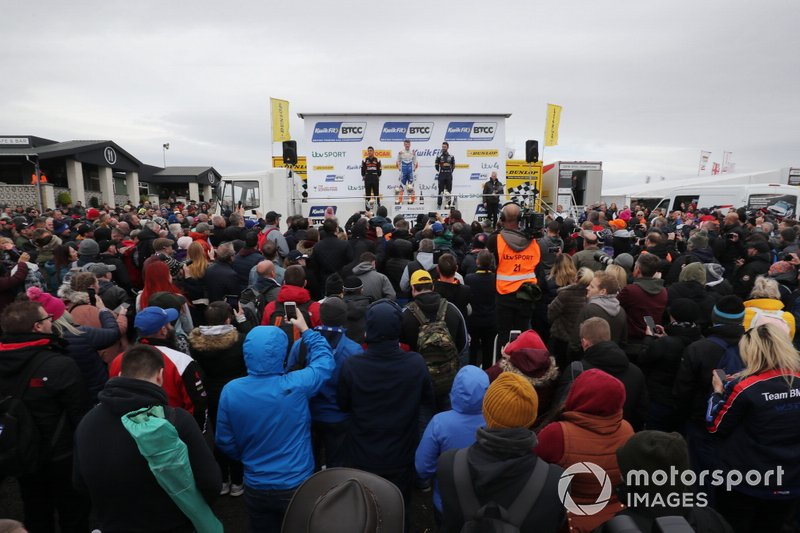 Podium, Dan Cammish, Team Dynamics Honda Civic, Rory Butcher, AmD Tuning Honda Civic and Andrew Jordan, WSR BMW