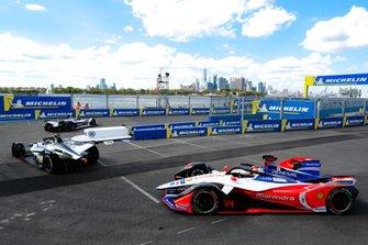 Maximilian Gunther, Dragon Racing, Penske EV-3, Edoardo Mortara, Venturi Formula E, Venturi VFE05, Pascal Wehrlein, Mahindra Racing, M5 Electro