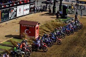 MX2 yarış start