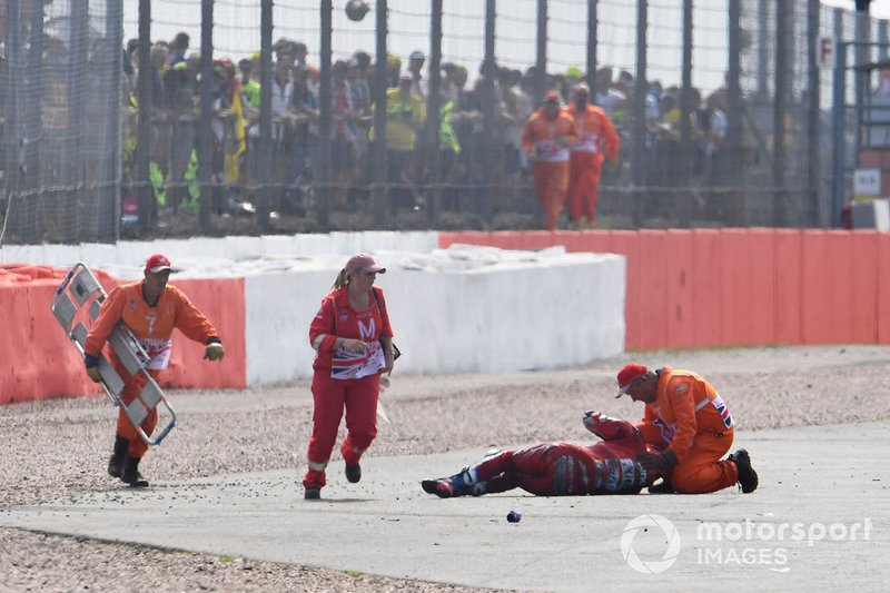 Andrea Dovizioso, Ducati Team, dopo l'incidente