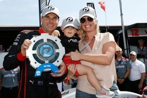 Will Power, Team Penske Chevrolet wins the NTT P1 Award and pole, with wife Liz and son Beau