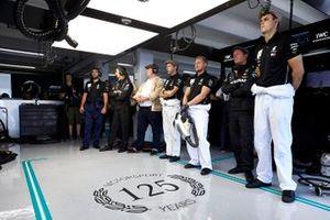 Mercedes AMG F1 mechanics