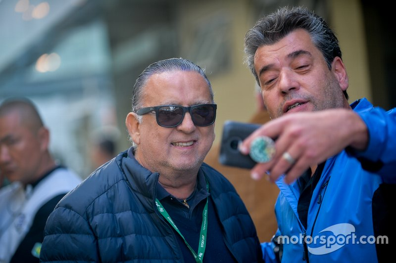 Galvão Bueno na Corrida do Milhão da Stock Car