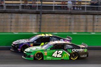 Kyle Larson, Chip Ganassi Racing, Chevrolet Camaro Clover and Jimmie Johnson, Hendrick Motorsports, Chevrolet Camaro Ally