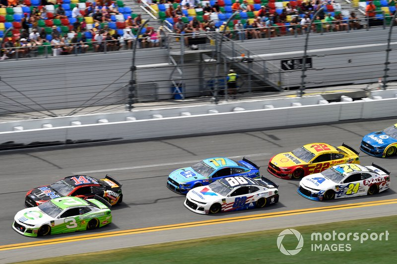 Austin Dillon, Richard Childress Racing, Chevrolet Camaro American Ethanol, Clint Bowyer, Stewart-Haas Racing, Ford Mustang Mobil 1 / Rush Truck Centers, Alex Bowman, Hendrick Motorsports, Chevrolet Camaro Valvoline Patriotic, Ricky Stenhouse Jr., Roush Fenway Racing, Ford Mustang Fifth Third Bank, William Byron, Hendrick Motorsports, Chevrolet Camaro Axalta Patriotic, Joey Logano, Team Penske, Ford Mustang Shell Pennzoil