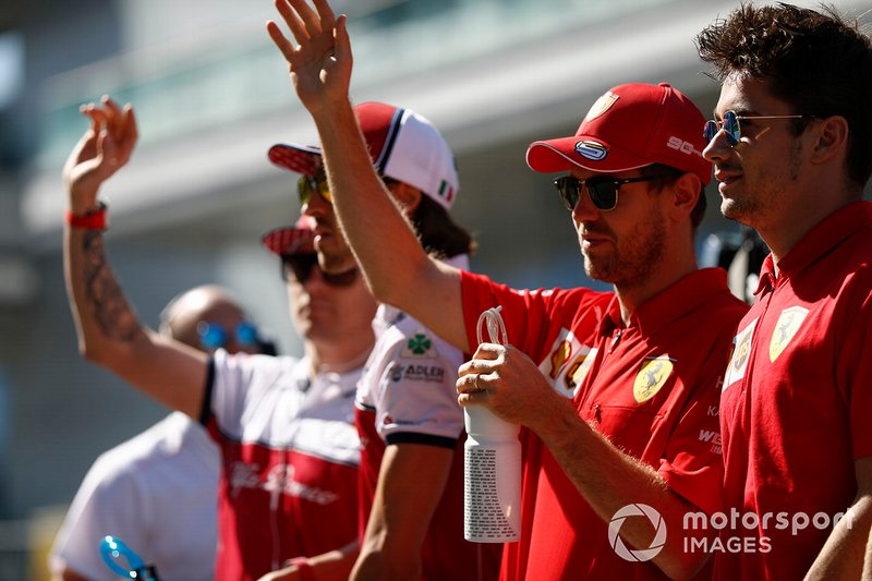 Kimi Raikkonen, Alfa Romeo Racing, Antonio Giovinazzi, Alfa Romeo Racing, Sebastian Vettel, Ferrari, e Charles Leclerc, Ferrari