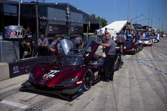 #77 Mazda Team Joest Mazda DPi, DPi: Oliver Jarvis, Tristan Nunez, #55 Mazda Team Joest Mazda DPi, DPi: Jonathan Bomarito, Harry Tincknell