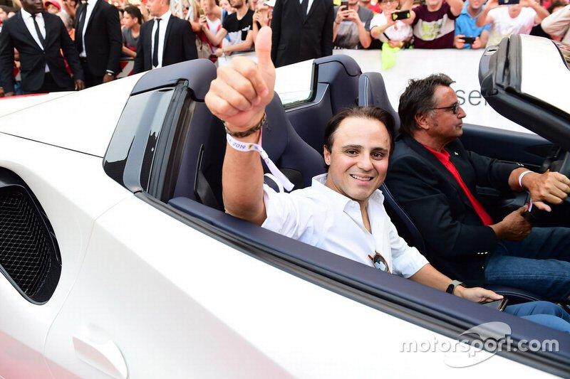 Massa começou a correr de kart em 1989 e competiu no Brasil até 1999, quando foi campeão nacional de Fórmula Chevrolet. O passo seguinte, naturalmente, foi a Europa.