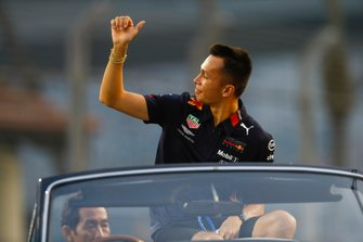 Alexander Albon, Red Bull Racing, alla parata dei piloti