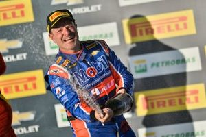 Rubens Barrichello wins at Campo Grande