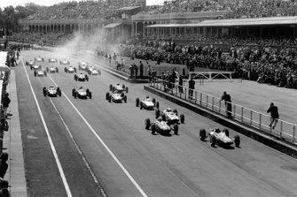 Jim Clark, Lotus; John Surtees, Lola; Bruce McLaren, Cooper; Dan Gurney, Porsche; Jack Brabham, Lotus; Graham Hill, BRM; Richie Ginther, BRM; Roy Salvadori, Lola; Phil Hill, Ferrari