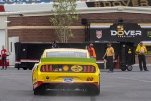 Joey Logano, Team Penske, Ford Mustang Shell Pennzoil drives to the garage after he reports a rear axle problem