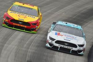 Matt Tifft, Front Row Motorsports, Ford Mustang Delaware Lottery/Surface and Joey Logano, Team Penske, Ford Mustang Shell Pennzoil