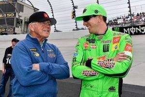 Kyle Busch, Joe Gibbs Racing, Toyota Camry Interstate Batteries Coach Joe Gibbs