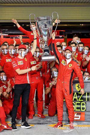 Sebastian Vettel, Ferrari et Charles Leclerc, Ferrari avec leur équipe