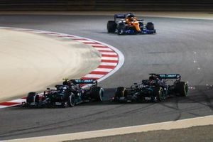 Valtteri Bottas, Mercedes F1 W11, battles with George Russell, Mercedes F1 W11