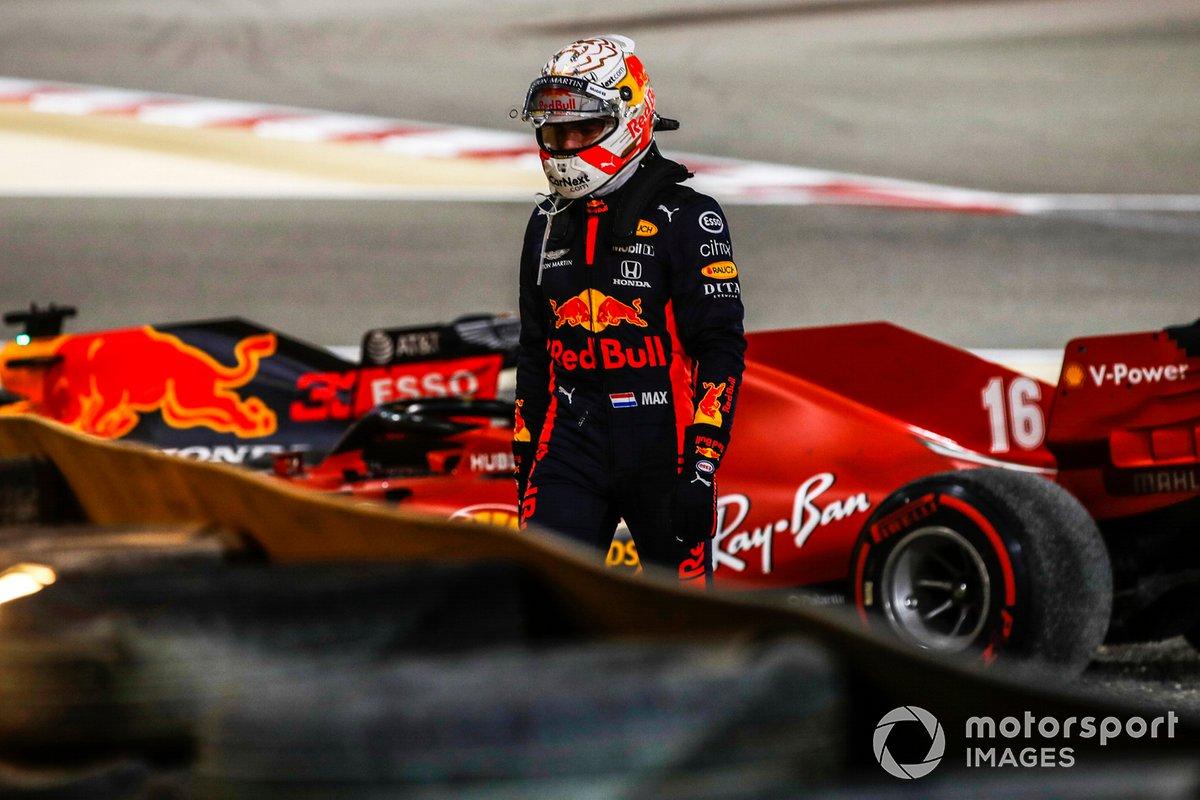 Max Verstappen, Red Bull Racing, se retira después de retirarse