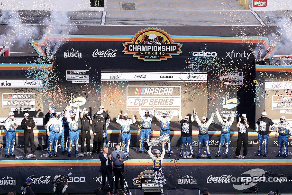 Campeón Chase Elliott, Hendrick Motorsports, Chevrolet Camaro y el equipo