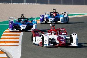 Nico Muller, Dragon Penske Autosport, Penske EV-4, Jake Dennis, BMW I Andretti Motorsport, BMW iFE.21, Maximilian Gunther, BMW I Andretti Motorsports, BMW iFE.21