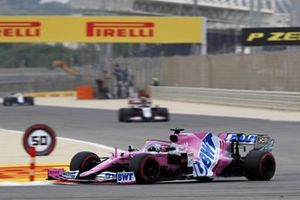 Sergio Perez, Racing Point RP20, Kevin Magnussen, Haas VF-20
