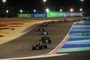 Alex Albon, Red Bull Racing RB16, Daniel Ricciardo, Renault F1 Team R.S.20, Valtteri Bottas, Mercedes F1 W11, Pierre Gasly, AlphaTauri AT01, en Esteban Ocon, Renault F1 Team R.S.20