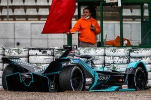 Mitch Evans, Panasonic Jaguar Racing, Jaguar I-Type 5, in the gravel trap after going off