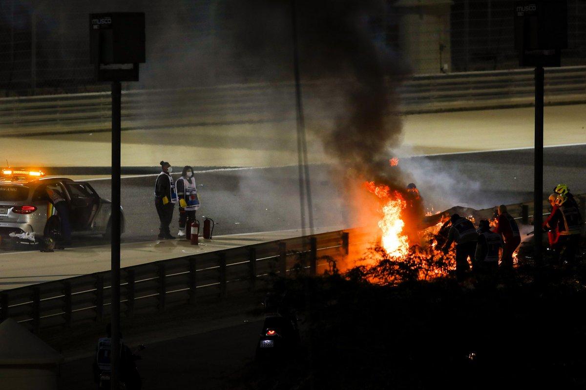 El monoplaza de Romain Grosjean, Haas VF-20 en llamas