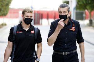 Guenther Steiner, Team Principal, Haas F1 and Mick Schumacher