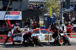 Matt DiBenedetto, Wood Brothers Racing, Ford Mustang Motorcraft/Quick Lane pit stop