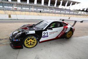 Carro promocional da Porsche Cup Brasil de 2021