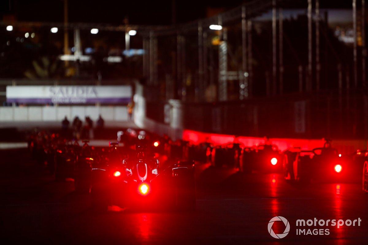 Parrilla de salida de la carrera 1 de la Fórmula E en Ad Diriyah