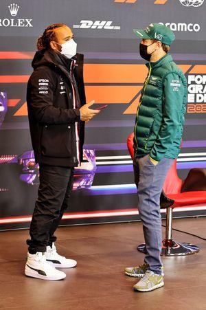 Lewis Hamilton, Mercedes, Sebastian Vettel, Aston Martin en la conferencia de prensa