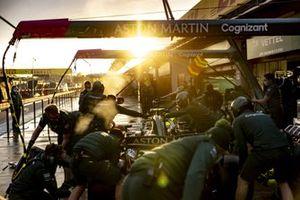 Aston Martin pit stop deneme